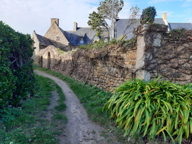 Wandelpad op Île de Bréhat in Bretagne aan Côte du Goëlo