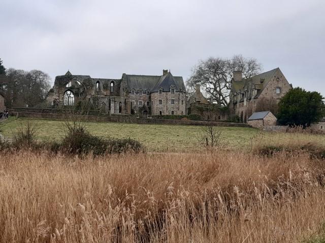 Abbaye de Beauport in Anse de Beauport in Bretagne aan Côte du Goëlo