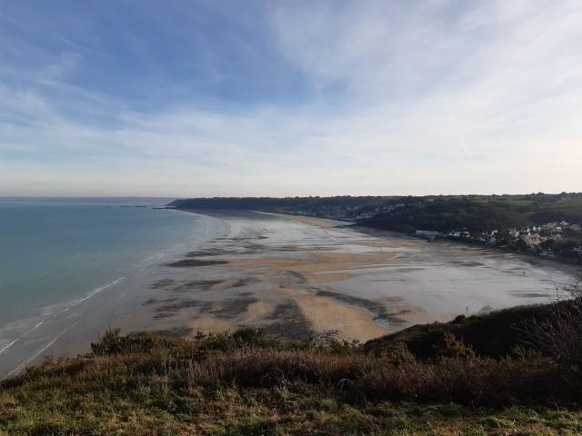 Uitzicht op Plage des Rosaires in Bretagne aan Côte du Goëlo