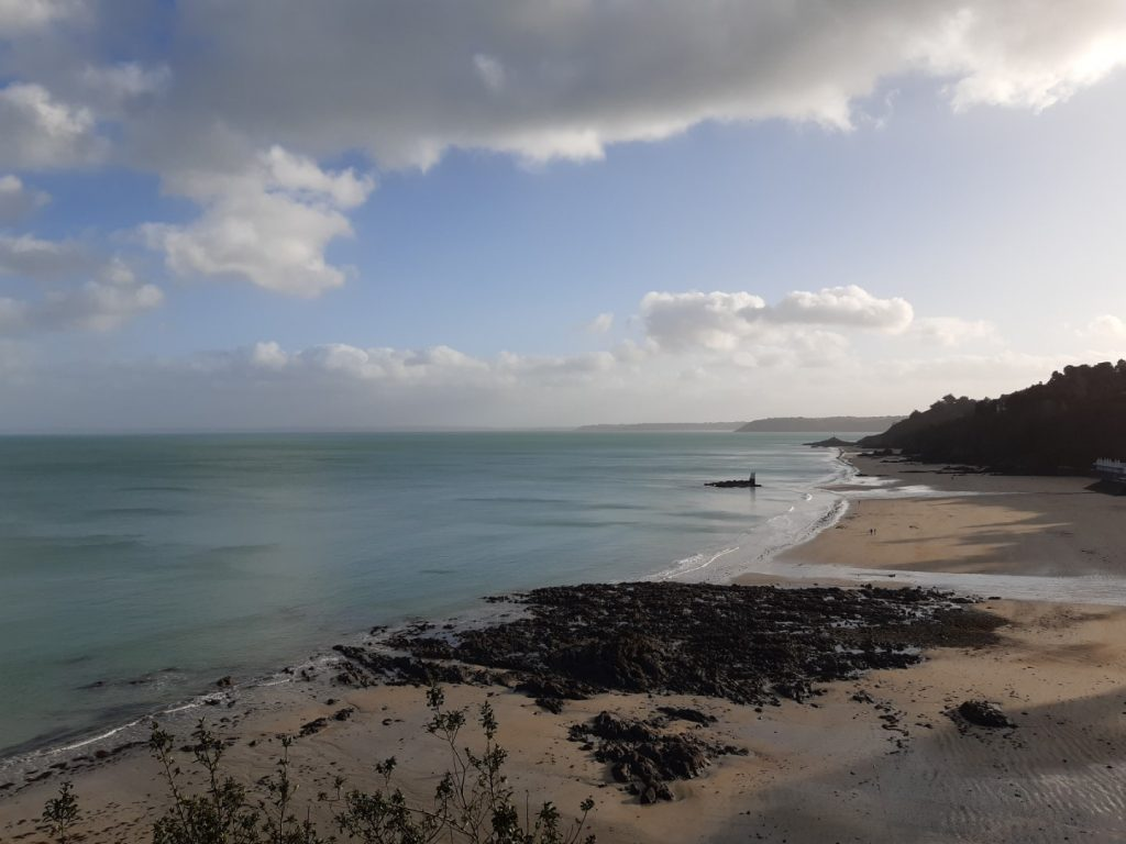 Étables-sur-Mer strand duikplank Côte du Goëlo Bretagne