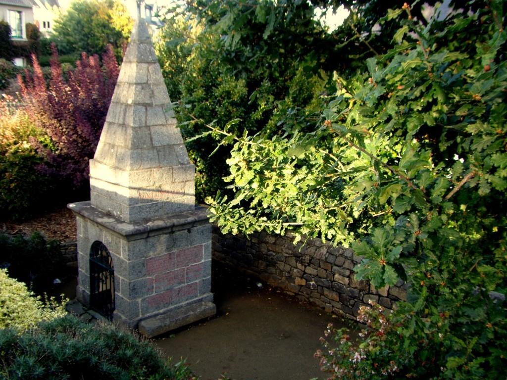 Fontaine Saint-Quay Saint-Quay-Portrieux Côte du Goëlo Bretagne Fontaine Saint-Quay