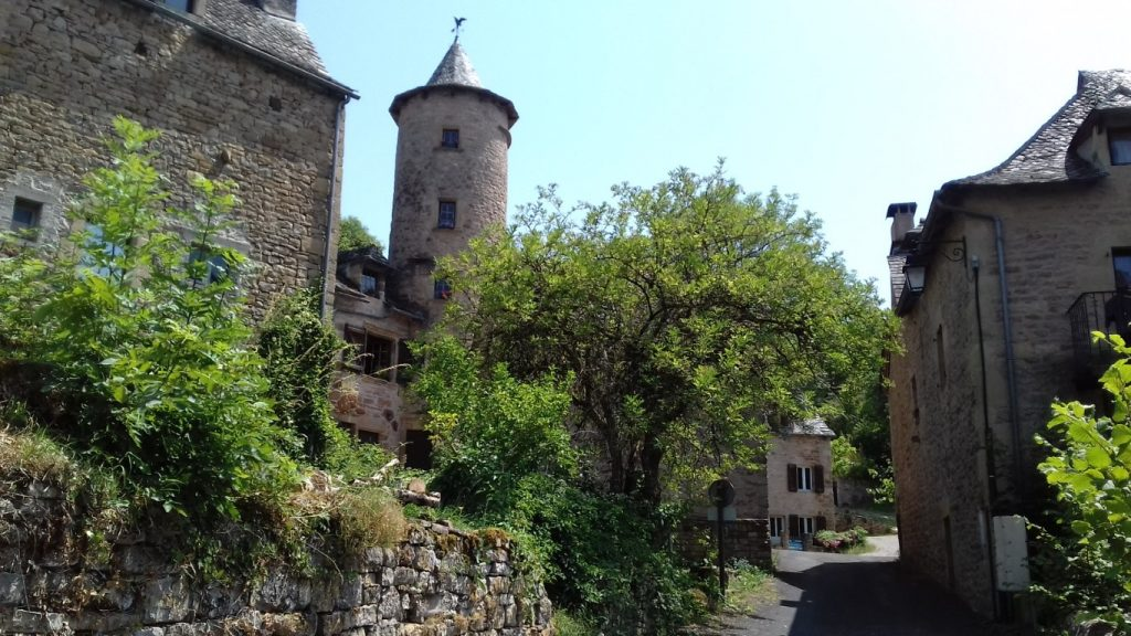 Bozouls Aveyron Rue des Angles