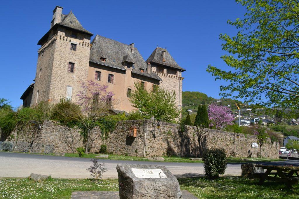 Entraygues-sur-Truyère Aveyron Château d'Entraygues