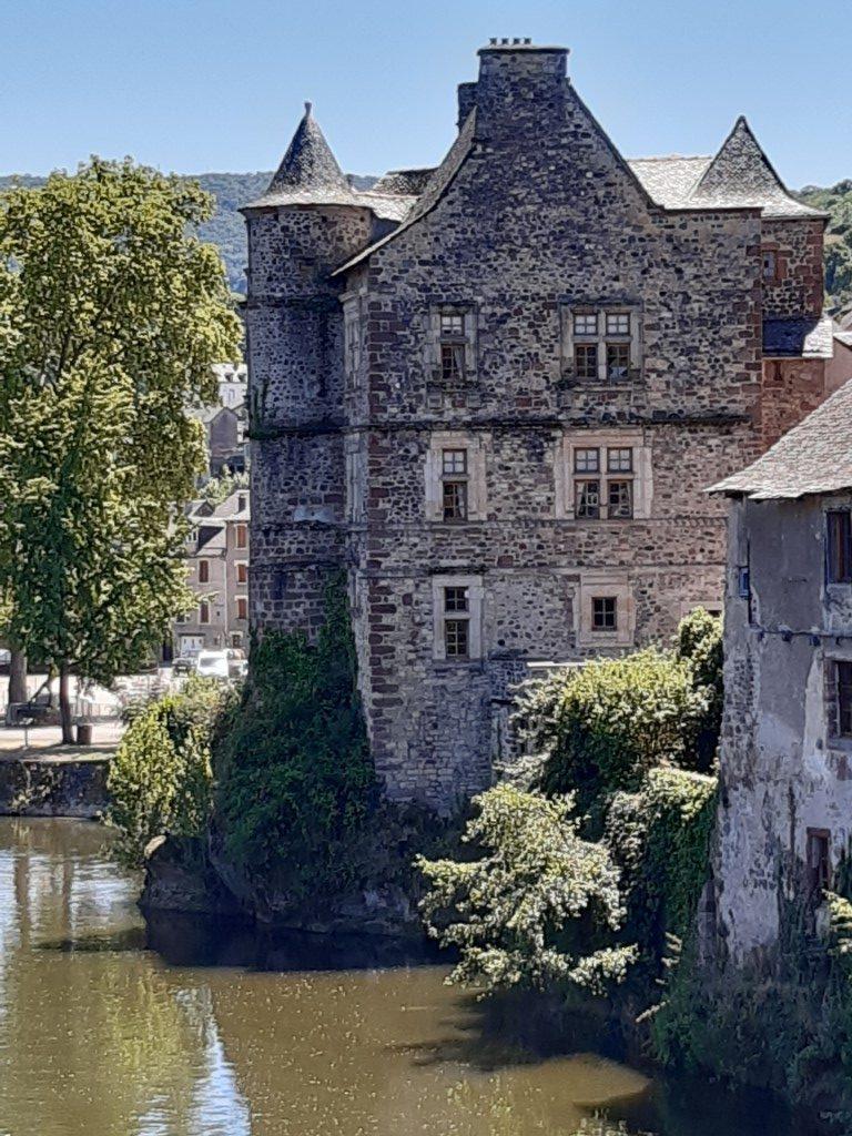 Espalion Aveyron Lot Vieux Palais