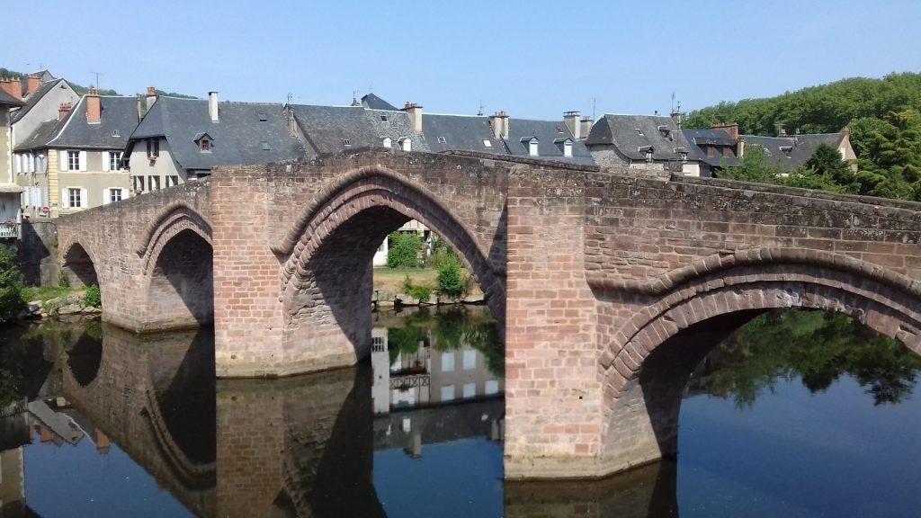 Espalion Aveyron Lot brug Le vieux Pont