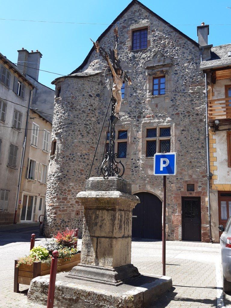 Espalion Aveyron Maison d'Assezat vert