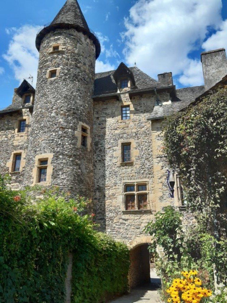 Sainte-Eulalie-d'Olt Aveyron Château de Curières