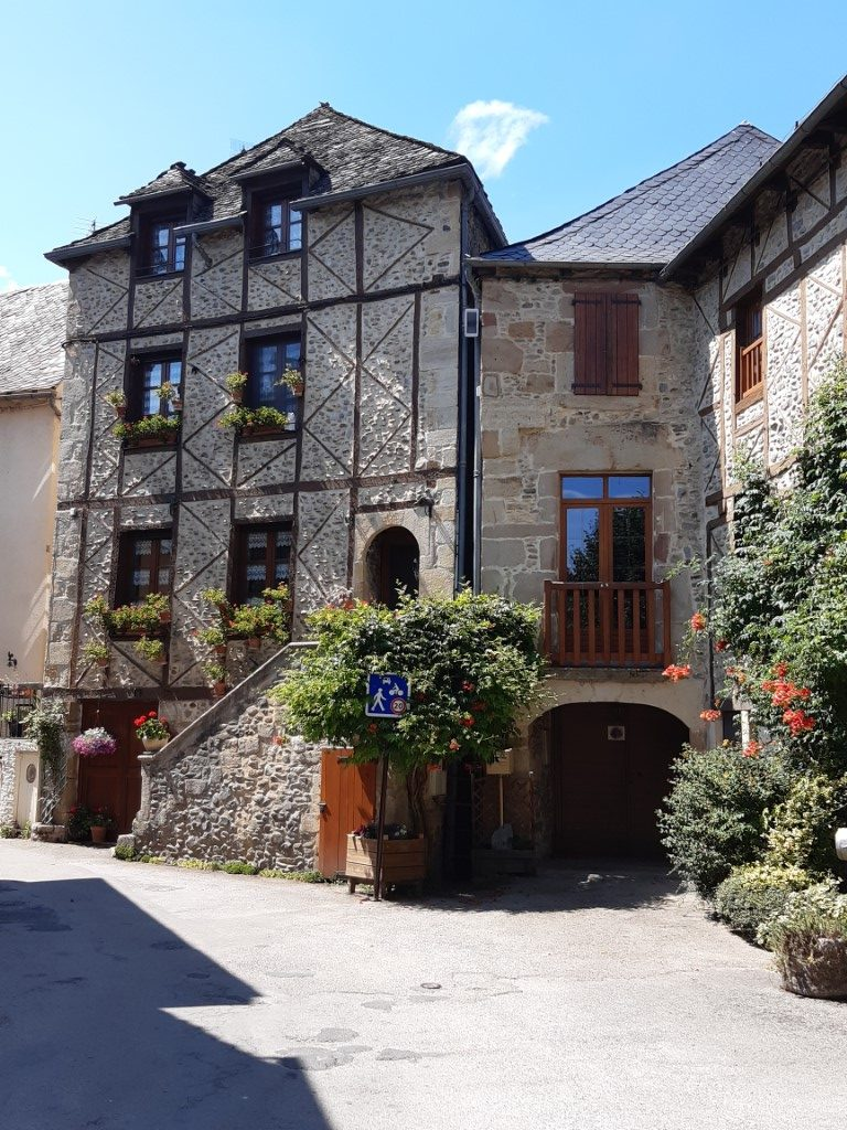 Sainte-Eulalie-d'Olt Aveyron vakwerkhuizen