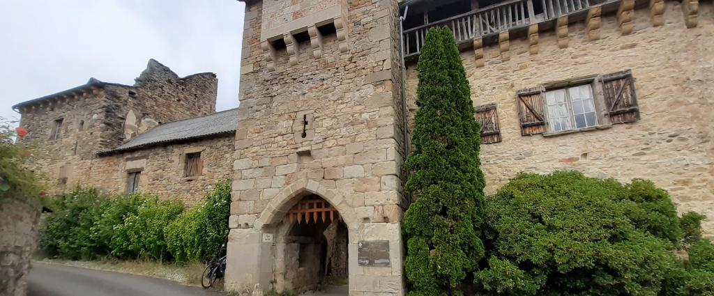 Flaujac Aveyron fort