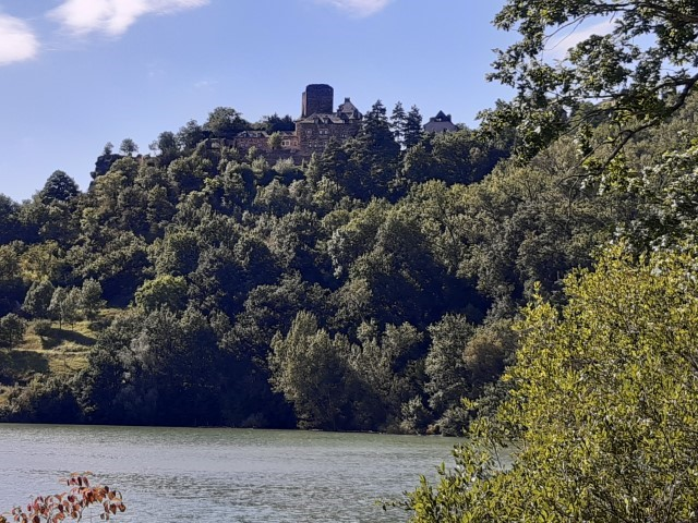 Mandailles Aveyron hoog boven Lot