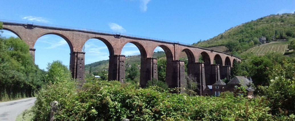 Marcillac Aveyron vallei rivier Ady viaduct
