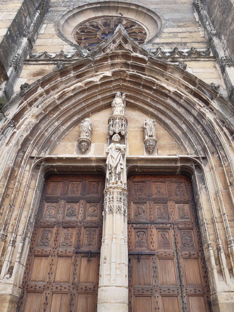 Saint-Côme-d'Olt Aveyron Église Saint-Côme portaal