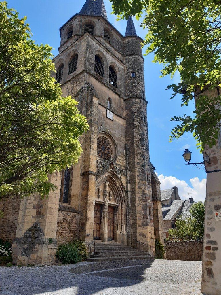 Saint-Côme-d'Olt Aveyron Église Saint-Côme