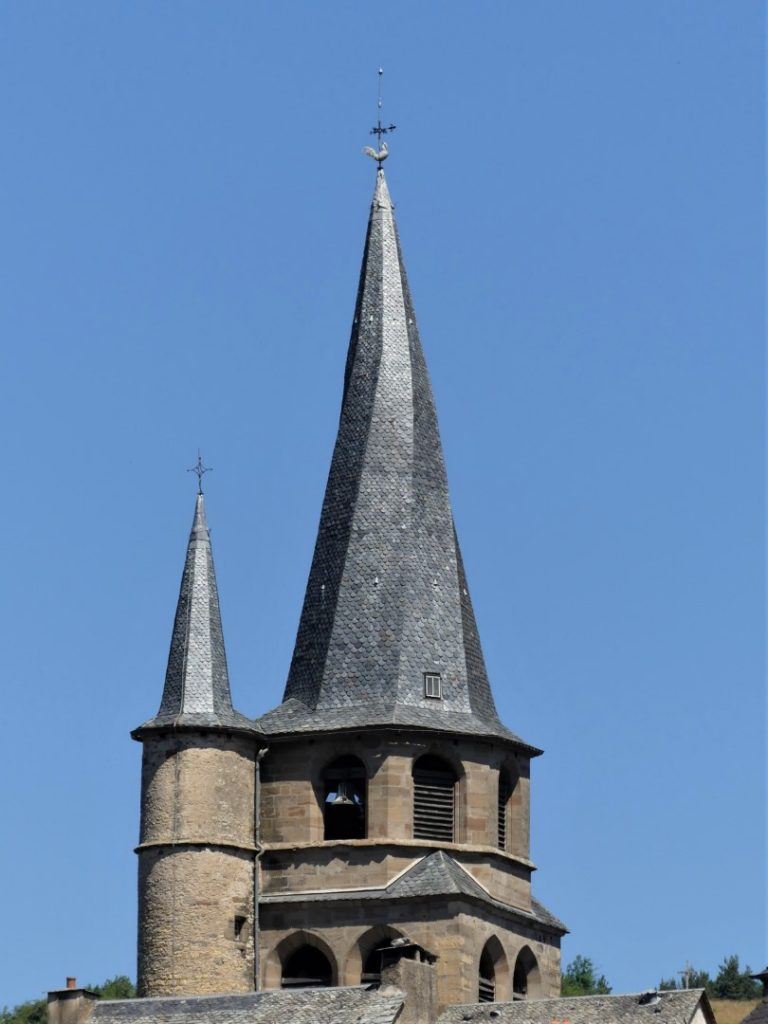 Saint-Côme d'Olt Aveyron Église Saint-Côme toren