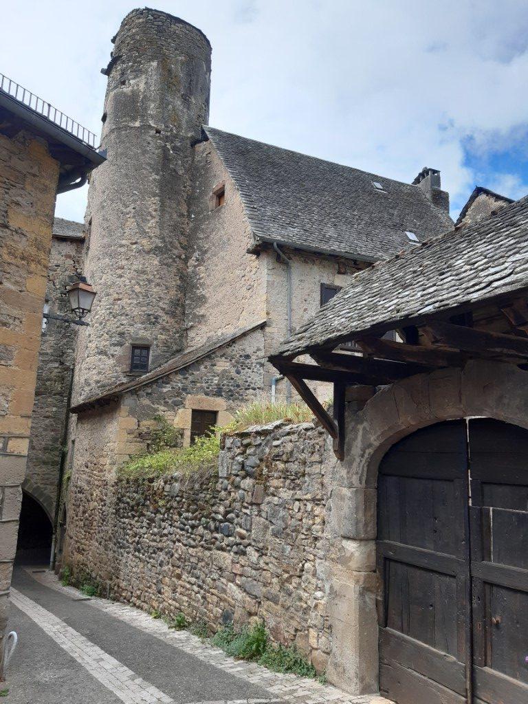 Saint-Côme-d'Olt Aveyron Maison Pons de Calus achterzijde