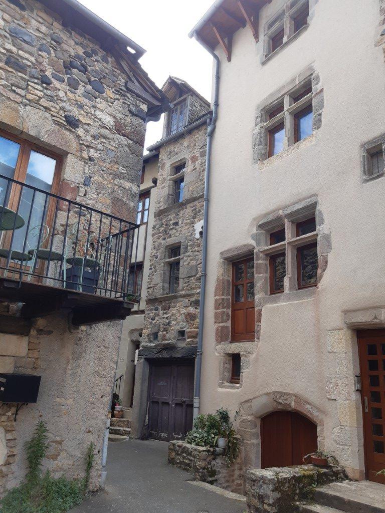 Saint-Côme-d'Olt Aveyron Place de Malimande