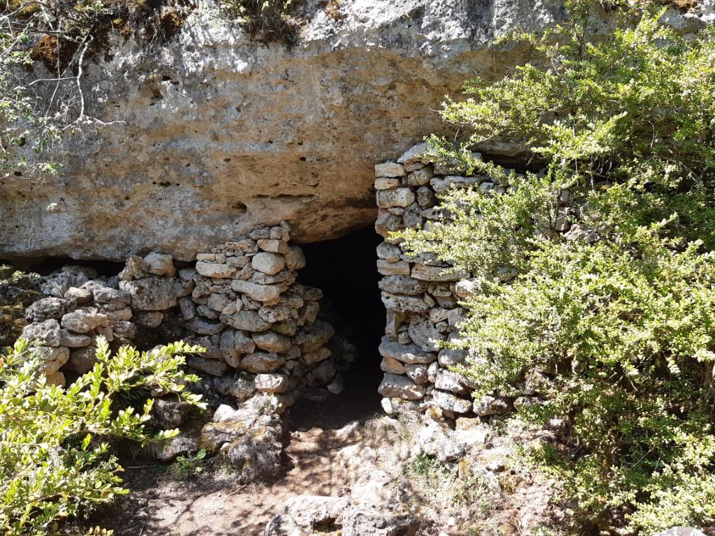 Arcs de Saint-Pierre Gallo-Romeinse dorpje Résiniers hor