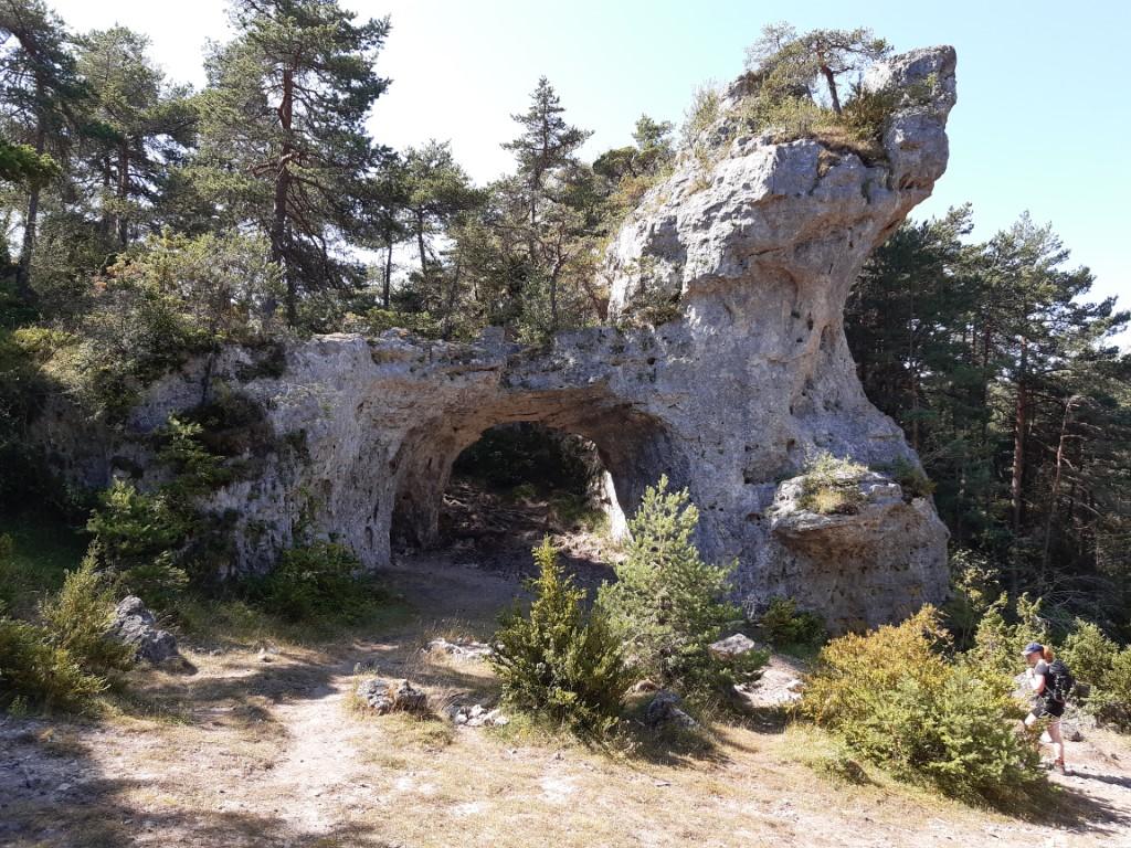 Arcs de Saint-Pierre La Grande-Place rots met holte