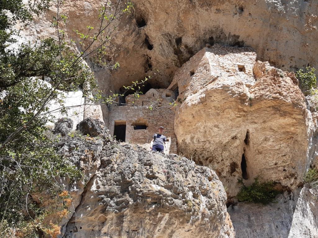 Saint-Marcellin Tarn fort tegen rotswand